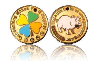 Happy Caching - Pig Geocoin Foggy Gold