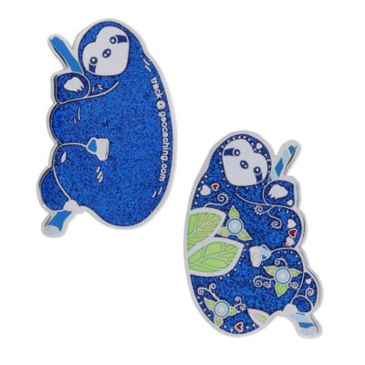 The Sloth Faultier Geocoin - Blau Glitzer