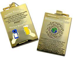 Schnapszahl Geocoin - Flasche Poliertes Gold XLE 75 (inkl. Kettc