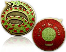 Year of the Snake Geocoin Antik Gold / Rubin
