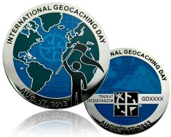 International Geocaching Day Geocoin Poliertes Silber