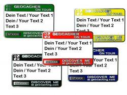 Trackbares Namensschild mit deinem Text (3 Zeilen)