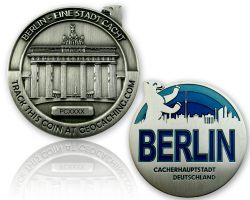 Berlin Geocoin Antique Silber - BLUE