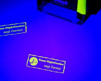 Printy Stempel in NEONGELB mit UV Licht